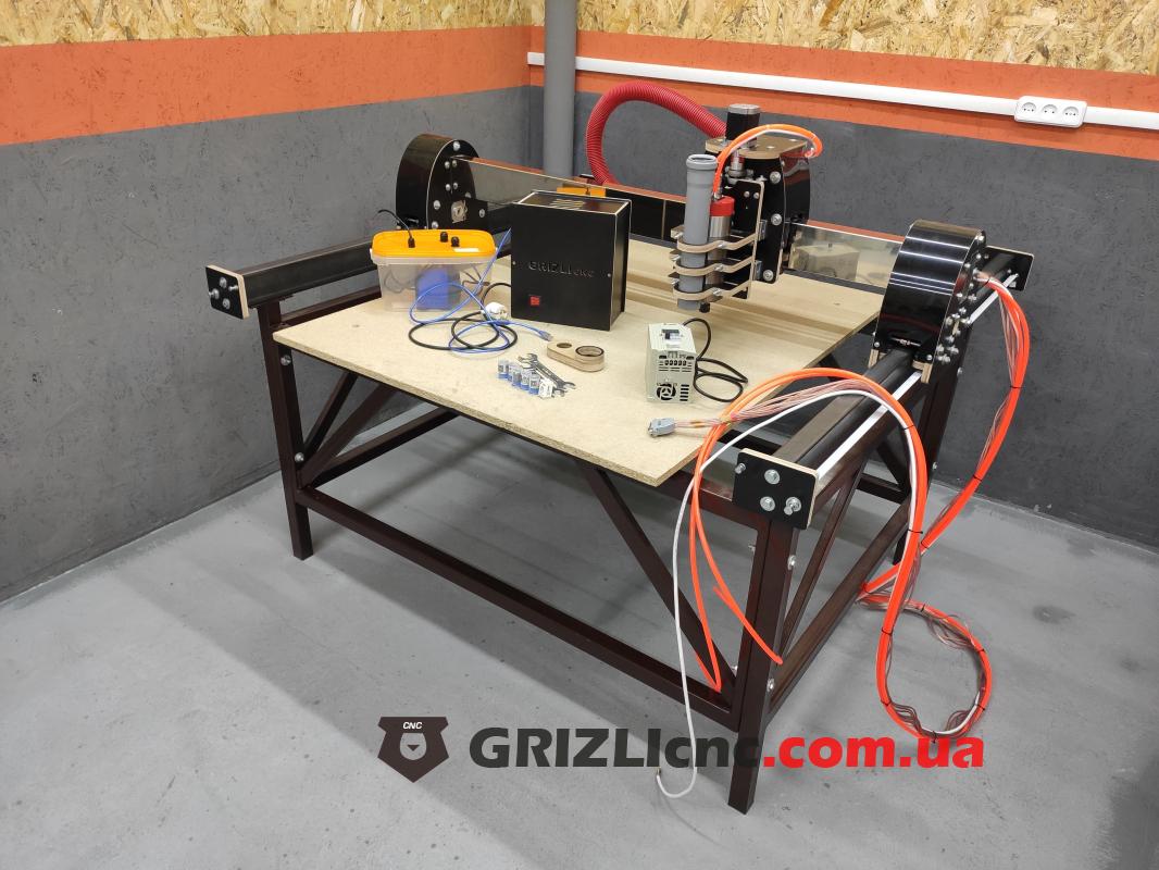 Фрезерный станок с ЧПУ GRIZLI Master 1000х1200мм   Фото: 1