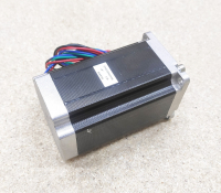 Шаговый двигатель Nema23 2.5Nm 4.2 Ампера 100мм