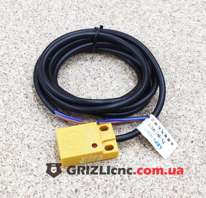 Индуктивный концевой датчик TL-W5MC1 NPN (плоский, нормально открытый)   Фото: 1